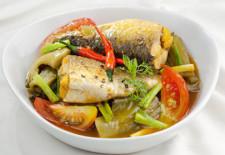 Hướng dẫn làm món cá đối kho cải chua cực ngon