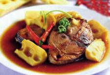 Tuyệt chiêu làm món cá ngừ kho măng thơm ngon đượm vị