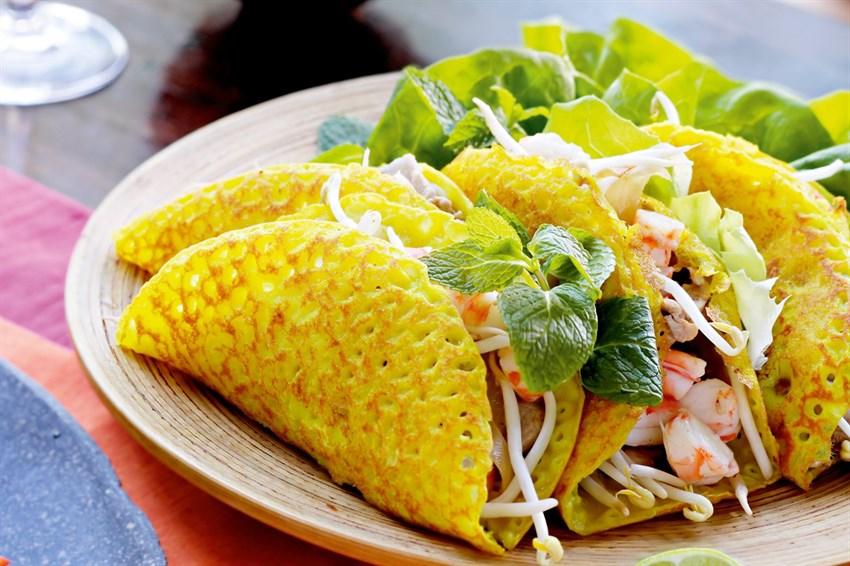 Bánh xèo cá trắng miền tây ngon thơm độc đáo.