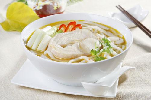 Bánh canh cá lóc là một trong những món ăn chế biến từ cá ngon tuyệt