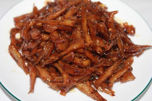 Cá cơm kho đường thốt nốt đẹp mắt và ngon miệng