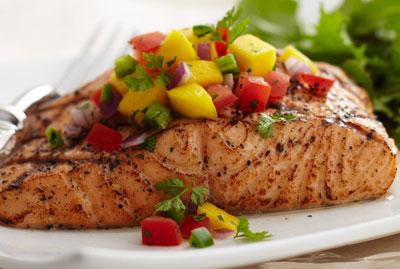 Cá hồi nướng giấy bạc cực kỳ thơm ngon và hấp dẫn
