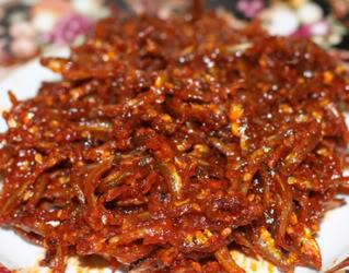 Cá cơm kho cay cho bữa cơm mùa Đông ấm áp và ngon miệng hơn