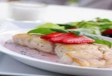 Cá rán sốt nước dâu tây