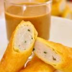 Công thức làm món bánh cá nóng chấm sốt đậu phộng ngon tuyệt